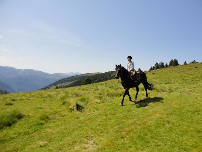 randonnée à cheval Beille Ariège Pyrénées